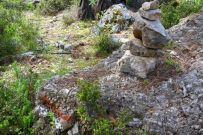 Waymark and cairn