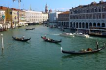 Gondoliers - all paddled with amazing deftness